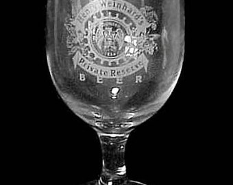 "Henry Weinhard's Etched Private Reserve 8 oz. 6"" Stemmed Footed Beer Glass"