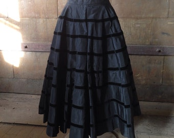 Vintage Black Taffeta & Velvet Circle Skirt