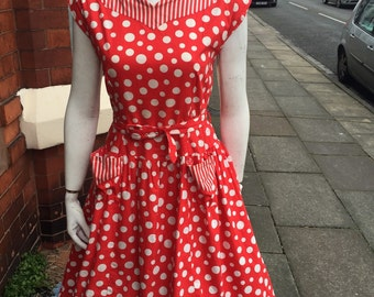 Stunning original 1950's red and white spotty cotton printed dress with matching belt