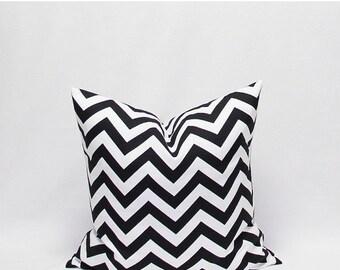 SALE Black Pillows White Pillows Black chevron pillows Black and White Zig Zag pillow Decorative Pillow Covers Black Chevron