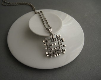 Beautiful modernist sterling silver necklace.