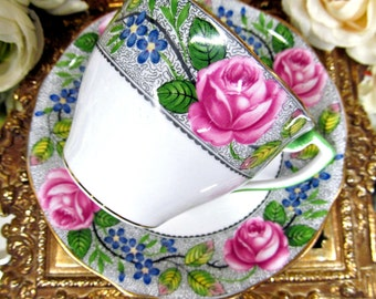 Aynsley tea cup and saucer  pink roses painted pattern teacup