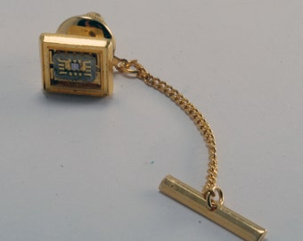 Vintage Men's Gold Plated COMPUTER CHIP Tie Tack w Chain  Pre-Owned