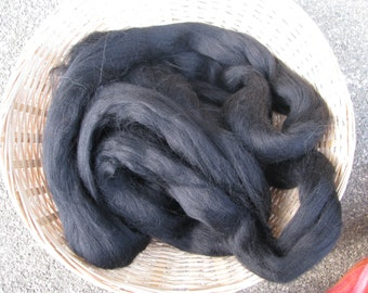 Merino Wool Tops 'Raven' for hand spinning, wet and needle felting