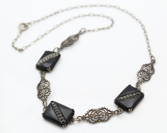 """Delicate Antique Art Deco 16"""" Necklace with Onyx/Marcasite in Sterling Silver. [9049]"""