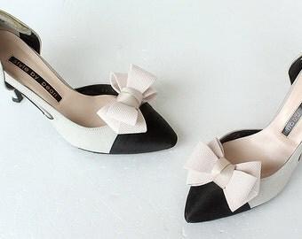 RIbbon beige Bridal Shoe Clips,Shoe Clips,Wedding Clips, Bridal Shoe Accessories,wedding shoes corsage,ribbon shoes clip,shoeclip