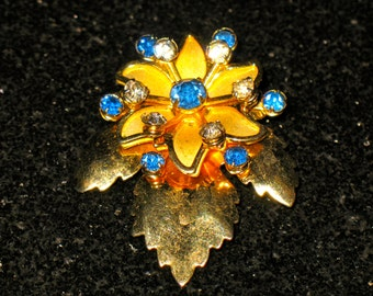 Vintage Blue Floral Prong Set Riveted Rhinestone Spray Brooch Dual Pendant setting