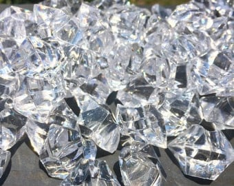 1/2 pound - Beautiful Clear Acrylic Vase Fillers or Table Scatter - Gems, Crystals, Ice, Stones, Rocks - Party, Wedding Decor - Approx. 100