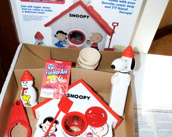 Snoopy Sno Cone Machine 1986 Playskool Snow Cone Set