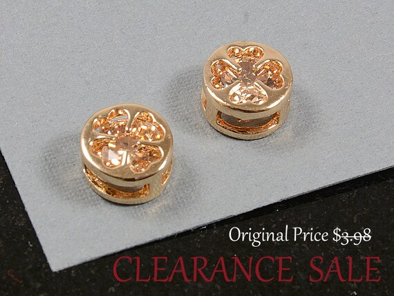 SALE - Clover Charm/ Gold Clover Pendant with Light Peach Rhinestone in Gold Plating - 2 pcs/ order