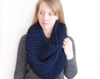"SALE The ""Daytona"" Winter Cowl - Navy"