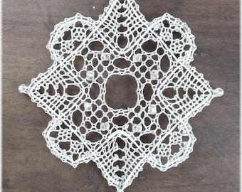 Luz - a Torchon PDF pattern. Instant Download. Snowflake ornament.