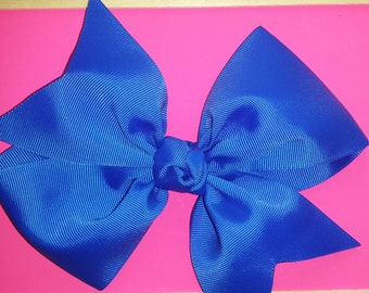 6 1/2 inch hairbow on an aligator clip