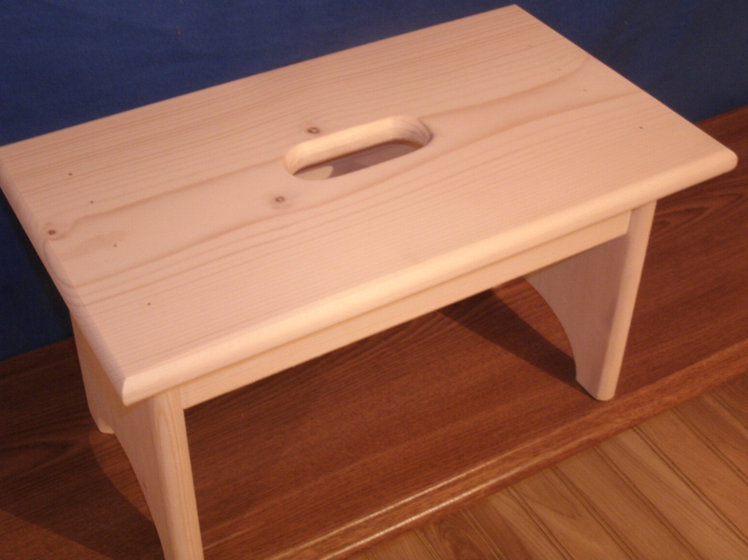 Wooden step stool with hand hole unfinished pine