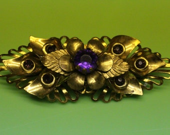 Large Amethyst colored stones Gold tone Brooch