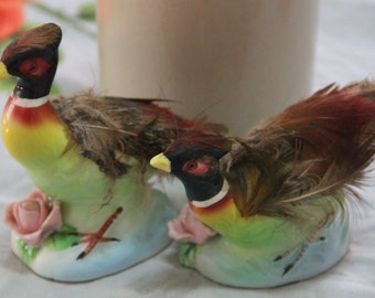 Vintage 1950's beautiful Pair of  Kitsch  Ceramic Bird/Pheasant  Ornaments