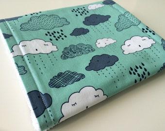 Burp cloth - Clouds burp cloth - Green burp cloth - Blue cloud burp cloth - Baby boys burp cloth - Modern burp cloth - Baby shower gift