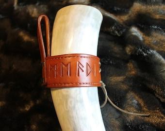 """Drinking horn holder """"Runes"""" - Medium Brown"""