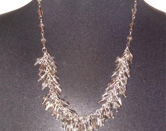 en pointe necklace