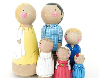 Custom peg doll family of 6 // 2 parents // 4 kids/pets // personalized peg dolls // doll house // custom family portrait // wooden dolls