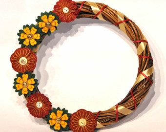 Christmas Wreath / Wicker wreath / Handmade Christmas decorations / Red and gold christmas / Embroidered flower wreath / Felt flower wreath