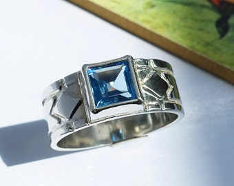 Aquamarine Ring, Square Princess-Cut Lab-Made Faceted Aquamarine Gemstone, Ice Blue, March birthstone, Sterling Silver Ring, Size 9 1/2