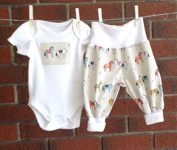 UNI BABY beige cotton clothes horses gender neutral