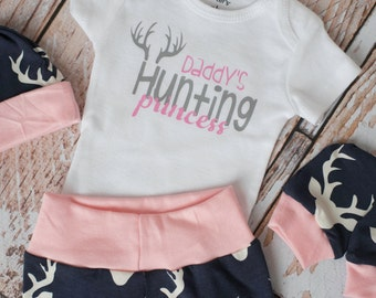 Newborn Coming Home Baby Deer Antlers/Horns Bodysuit, Hat, Scratch Mittens Set with Pink and Navy+ Daddy's Hunting Princess Bodysuit