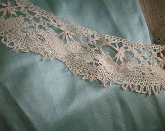 """Antique pure silk lace 2 """" wide pretty pattern Italian 1800s"""