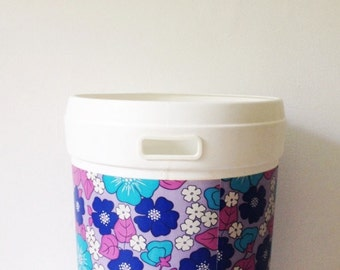 1970s laundry bin by Plysu, toy basket or storage for towels or bedding, with retro flower power print