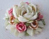 Beautiful Vintage Brooch Made Entirely Out of SeaShells (Needs pin back)