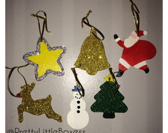 Pack of 6 tree ornaments.