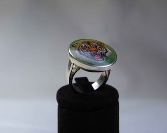 Hand painted tiger ring