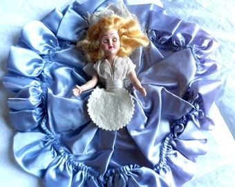 Vintage 1940's Story Book Doll* Movable Arms . Eyes Open & Close . Lavender Gown . Excellent Vintage Condition