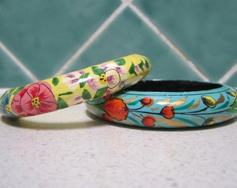 2 Vintage Wooden Bangles - Hand painted - Floral - Green and Yellow