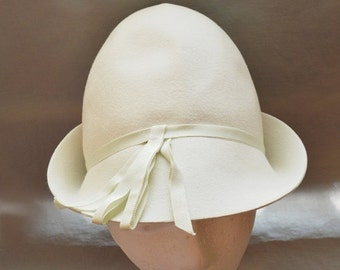 SALE Cute Vintage Mod Cloche  or Bucket Hat - White Fur Felt, 1960s