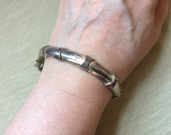Sterling bracelet with a broken clasp -- 723