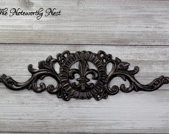 ANY COLOR Cast Iron Wall Decor / Wall Hanging // Fleur De Lis Wall Hanging // Picture topper // Wall Decor / Bronze Decor // Door Topper