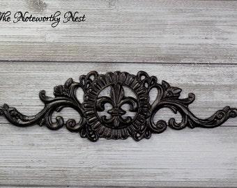 Cast Iron Wall Decor // Wall Hanging // Fleur De Lis Wall Hanging // Picture topper // Wall Decor // Oil Rubbed Bronze Decor // Door Topper