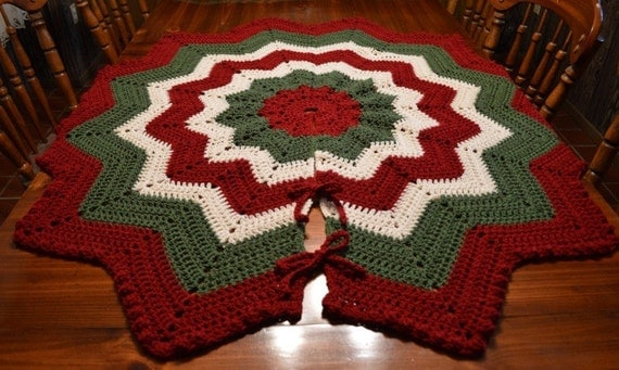 Large victorian crochet christmas tree skirt with bobble edge