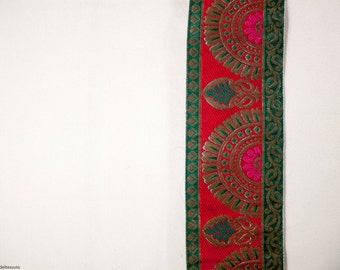 Edge embroidered green and red