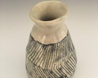 Medium White Bud Vase With Zig-Zag Black Pattern
