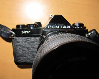 Pentax MV 35mm SLR camera w/35-70mm f3.5 - 4.8 auto zoom Macro lens In Pentax PK Mount Includes Shipping In Can. & U.S.