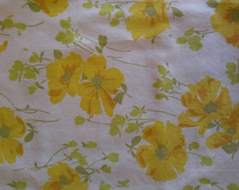 Vintage Pillowcase, Yellow Flowers, Floral Pillowcase, Yellow and White Pillowcase, Morgan Jones, Vintage Linens, No Iron Percale