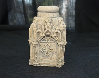 House of LLoyd Gothic Cathedral Candle Holder