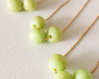 Green bead necklace,Bridesmaid necklace, light green necklace,simple necklace,bridesmaid gift,lime green wedding,wedding jewelry,flower girl