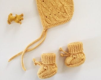 Baby Hat and Booties, Merino Wool Lilly Knitted Set