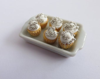 Dolls House Miniature Christmas Cupcakes