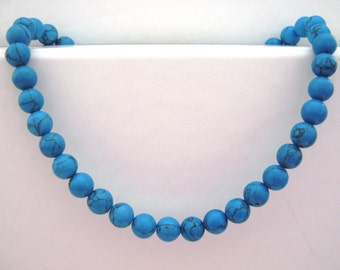 "Short natural turquoise 10 mm chunky beaded necklace 41 cm/16.25"" long with silver plated clasp (EW220a)"