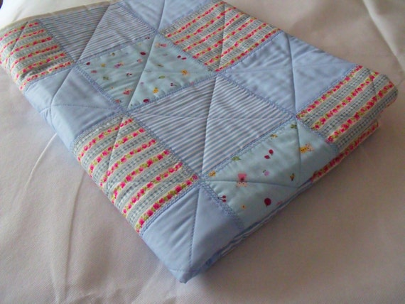 """patchwork quilt, single quilted throw, cot quilt, blue duvet, quilted blanket, baby play mat, aprox 37.5"""" x 53.5"""""""